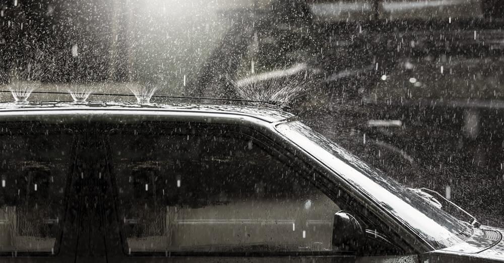 ビルトインガレージハウスは人や荷物が雨に濡れない