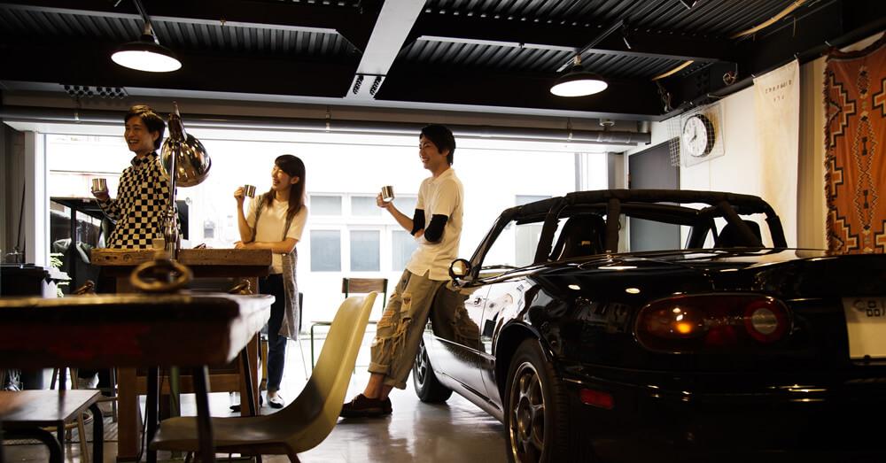 ガレージハウスをアウトドアリビングとして活用